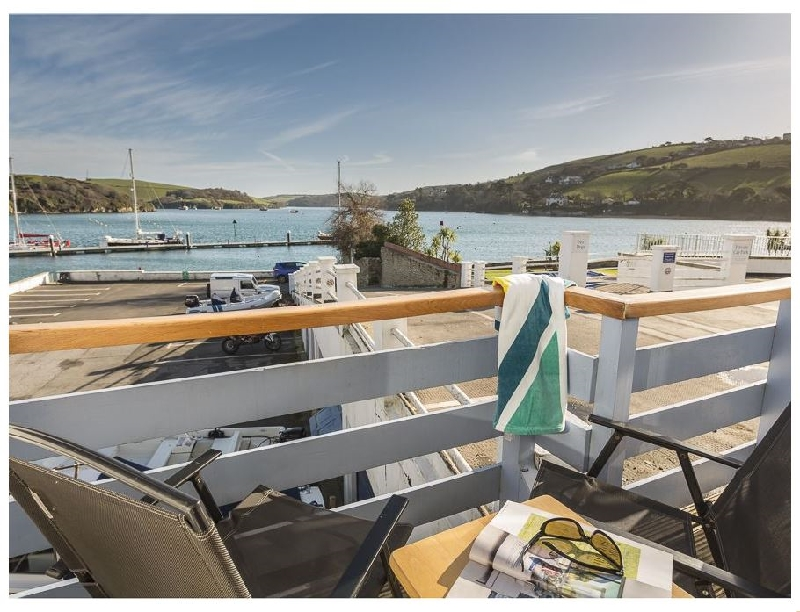 Spinnaker Cottage a holiday cottage rental for 6 in Salcombe,