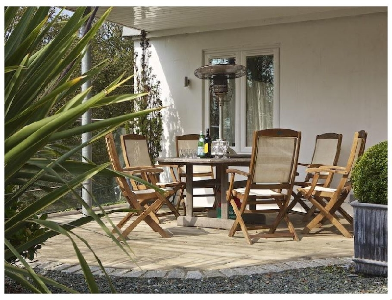 St Elmo Lodge a holiday cottage rental for 7 in Salcombe,