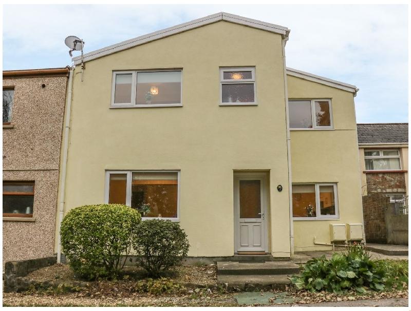 3A Mount Ash a holiday cottage rental for 4 in Derwen,