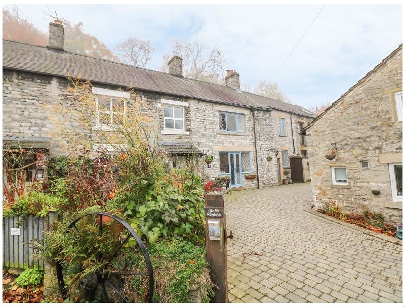 Laburnum Cottage a holiday cottage rental for 4 in Castleton,