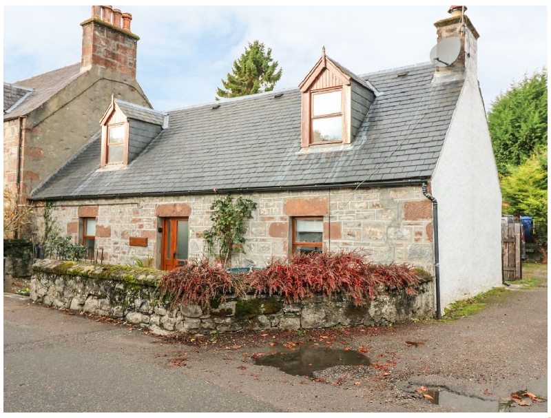 Stonywood Cottage a holiday cottage rental for 4 in Drumnadrochit,