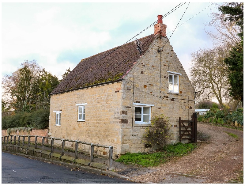 Manor Farm House Cottage a holiday cottage rental for 4 in Thrapston,