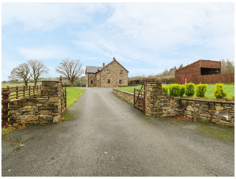 Ty Berllan a holiday cottage rental for 9 in Caersws,