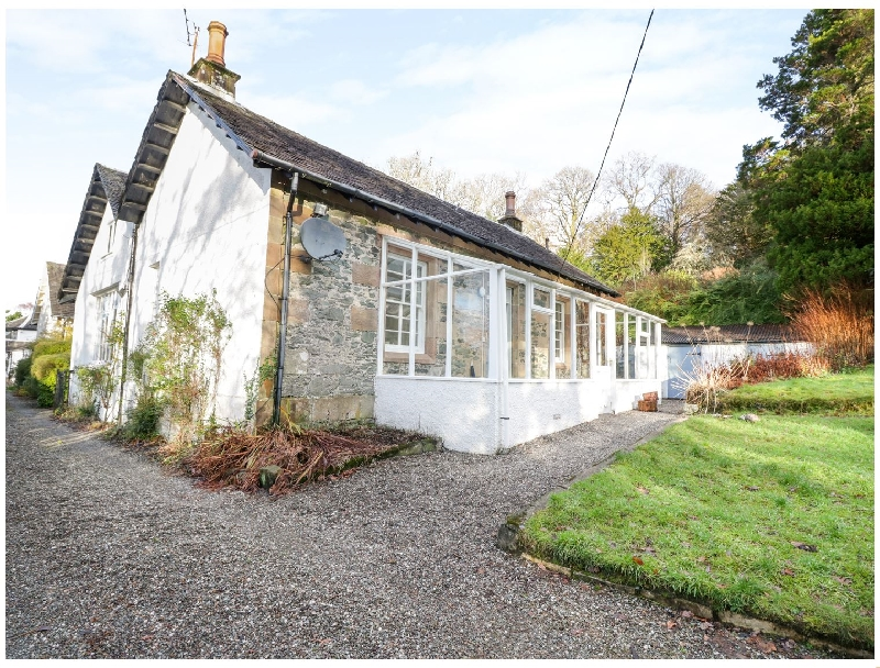 Rosemount Cottage a holiday cottage rental for 7 in Helensburgh,