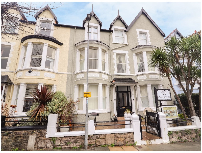 Flat 5 a holiday cottage rental for 2 in Llandudno,