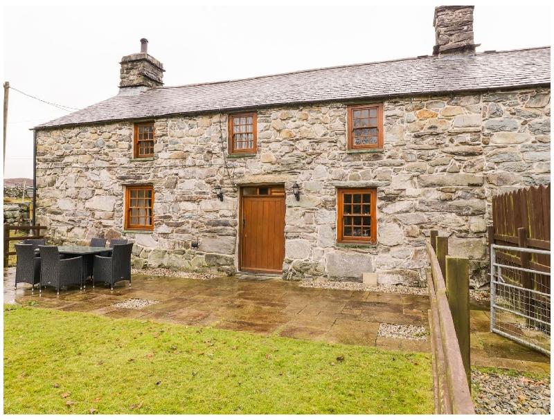 Cwm Yr Afon Mawr a holiday cottage rental for 6 in Llanbedr,