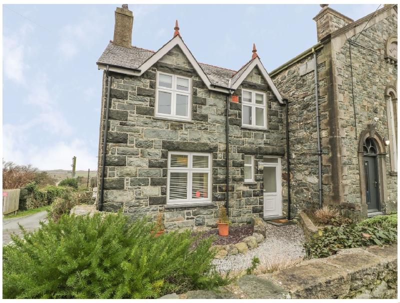 Ty Capel a holiday cottage rental for 4 in Dyffryn Ardudwy,