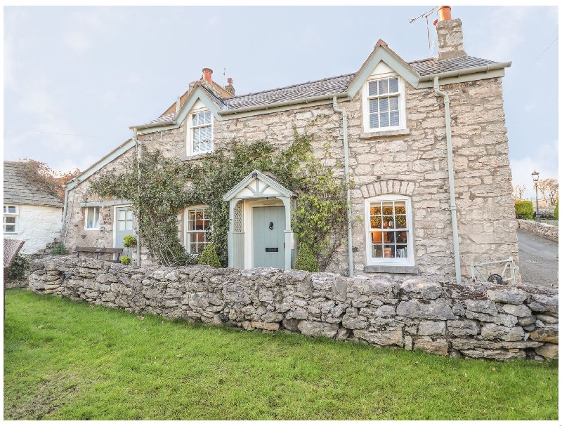 Storehouse Cottage a holiday cottage rental for 3 in Glanwydden,