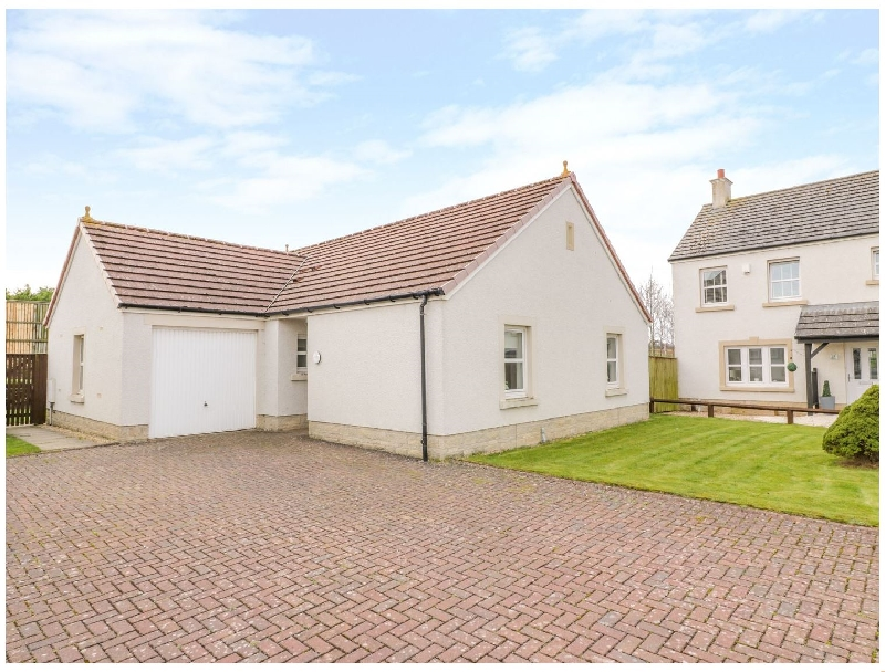 Bright and Beautiful a holiday cottage rental for 6 in Ayr,