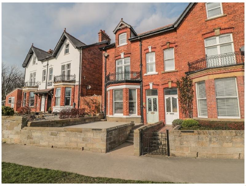 Fairleigh a holiday cottage rental for 8 in Whitby,