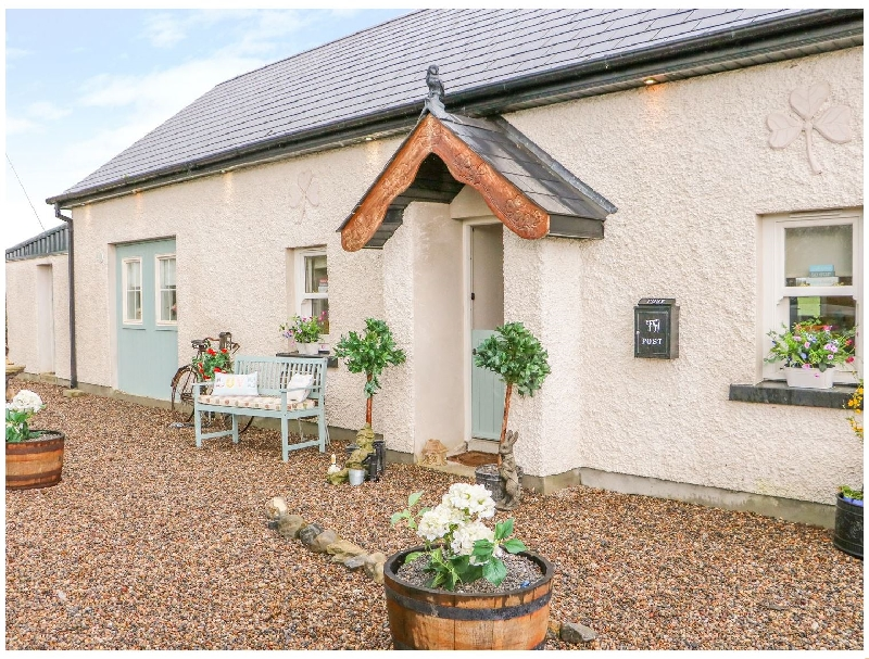 Lynchpin Cottage a holiday cottage rental for 7 in Bruff,