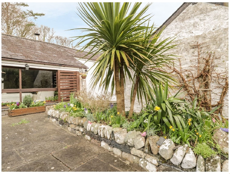 Hideaway a holiday cottage rental for 6 in Llanbedr,
