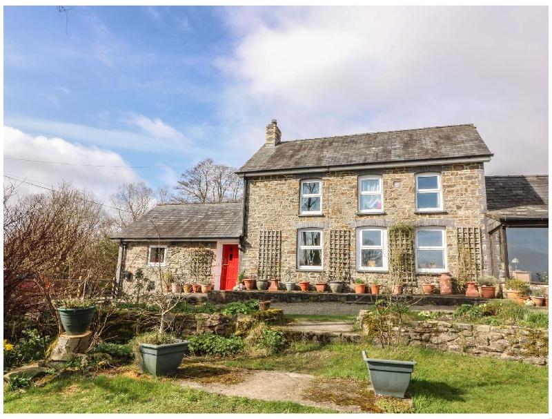 Y Cwtch a holiday cottage rental for 4 in Llanybydder,