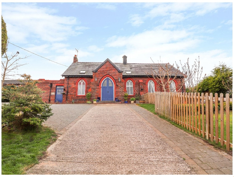Bethania Chapel Annex a holiday cottage rental for 2 in Bagillt,