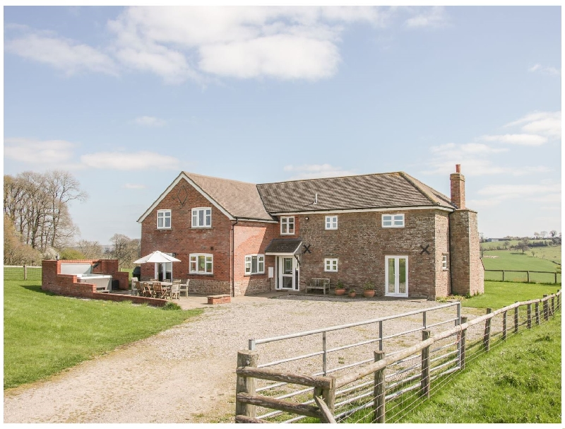 Wood Cottage a holiday cottage rental for 10 in Tenbury Wells,
