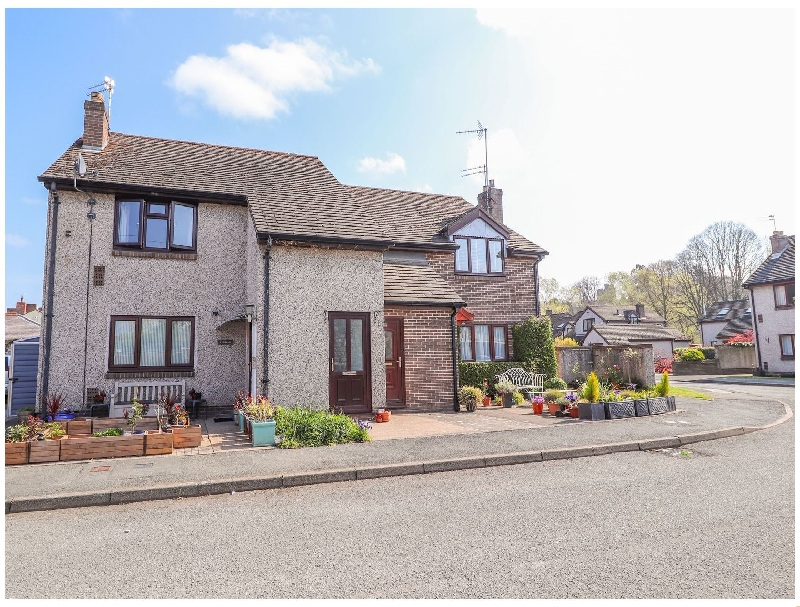 2 Maes Ffynnon a holiday cottage rental for 2 in Ruthin,