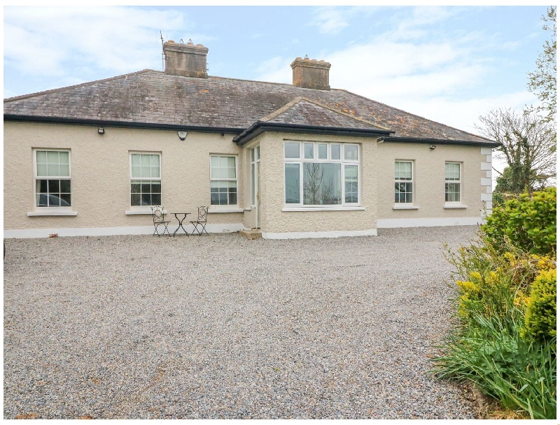Bawnacomera a holiday cottage rental for 8 in Youghal,