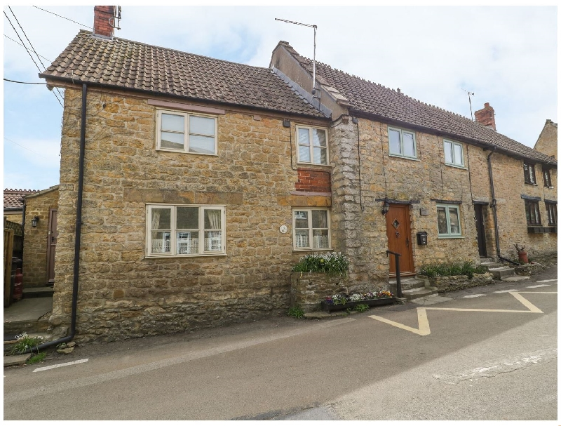 Wills Cottage a holiday cottage rental for 4 in Haselbury Plucknett,