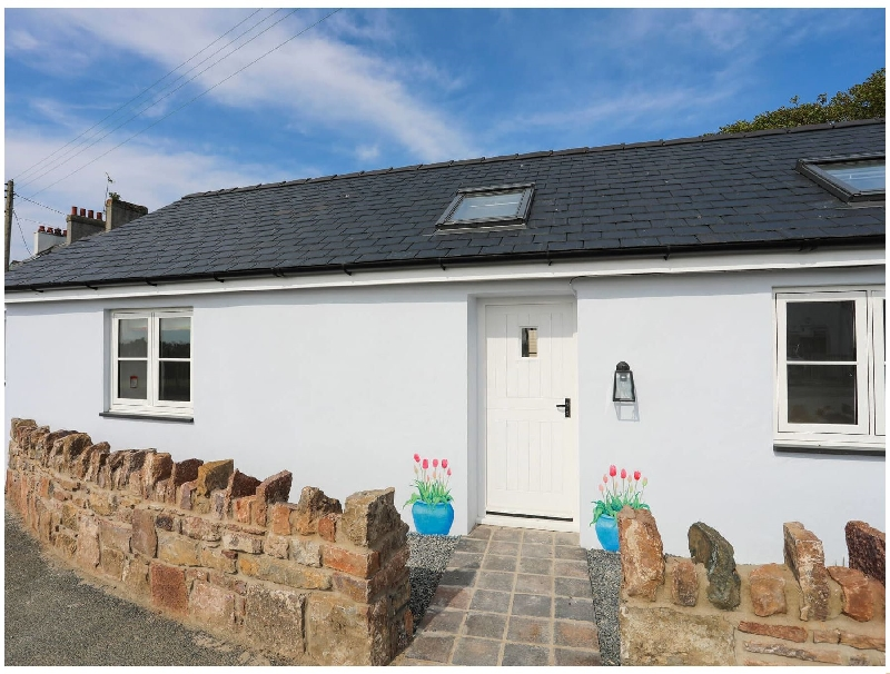Bron Haul a holiday cottage rental for 2 in Brynsiencyn,