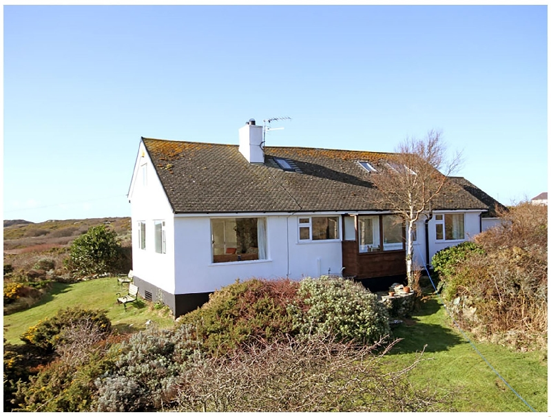 Cerrig a holiday cottage rental for 8 in Rhoscolyn,