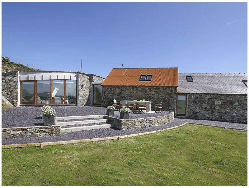 Rhyd Angharad Barns a holiday cottage rental for 8 in Rhydwyn,