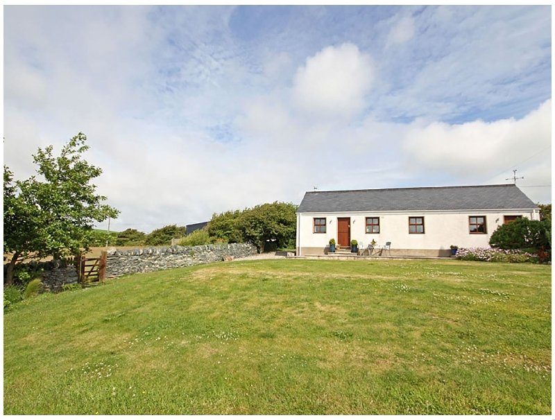 Y Beudy a holiday cottage rental for 4 in Llanynghenedl,