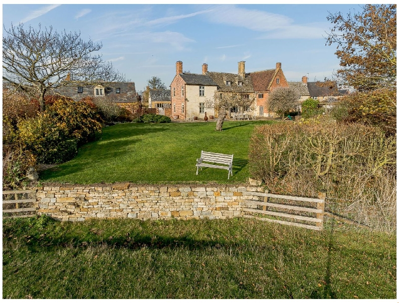 Manor Farm House a holiday cottage rental for 14 in Blackwell,