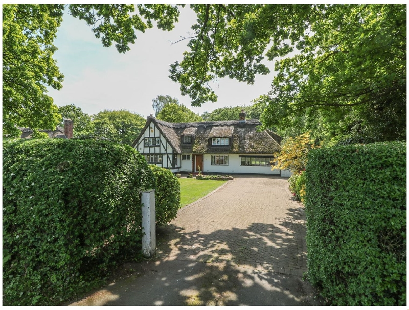 Underlea a holiday cottage rental for 10 in Hale,