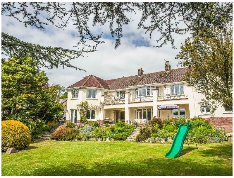 Nairn a holiday cottage rental for 12 in Braunton,