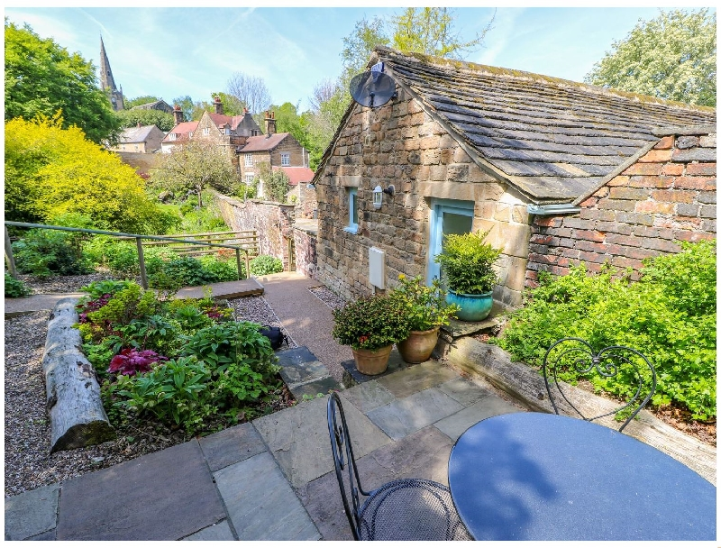 Vale Barn a holiday cottage rental for 6 in Dronfield,