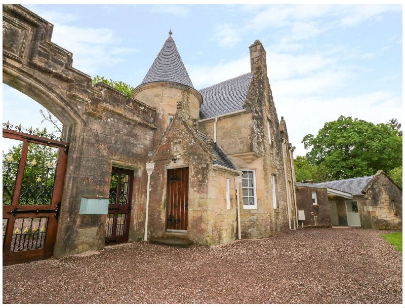 Golden Gates Lodge a holiday cottage rental for 4 in Doune,
