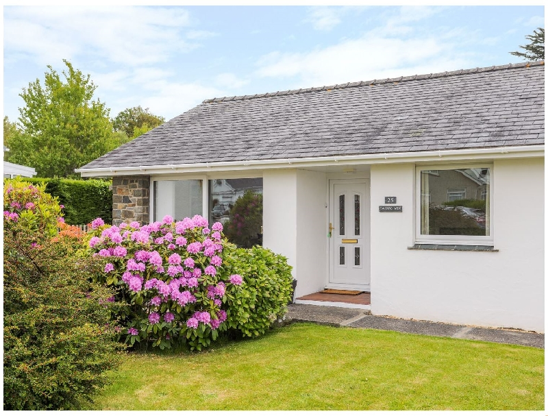 Garreg Wen a holiday cottage rental for 5 in Criccieth,