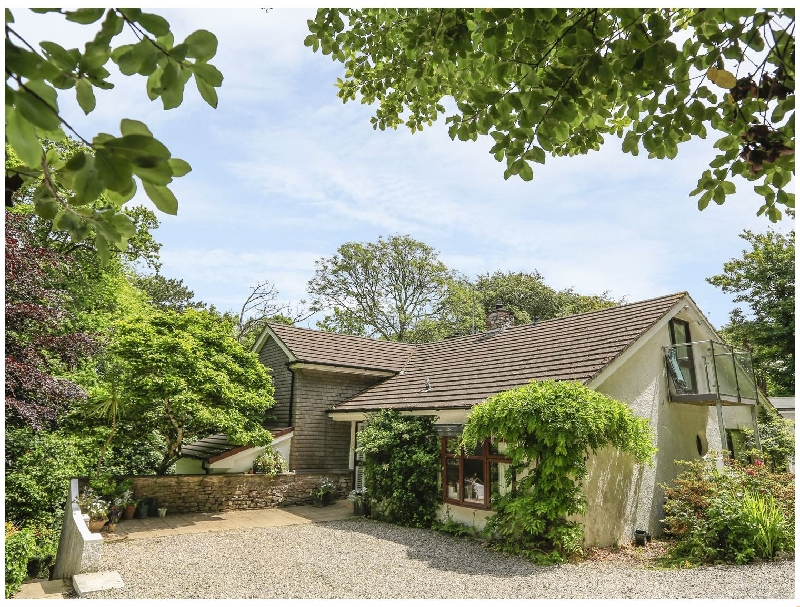 Treetops a holiday cottage rental for 10 in Salcombe,
