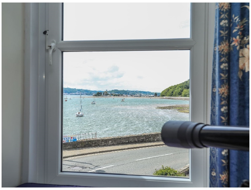 Gadlys House - Waters Edge a holiday cottage rental for 5 in Beaumaris,