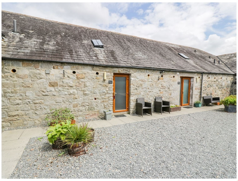 The Byre a holiday cottage rental for 6 in Newton Stewart,