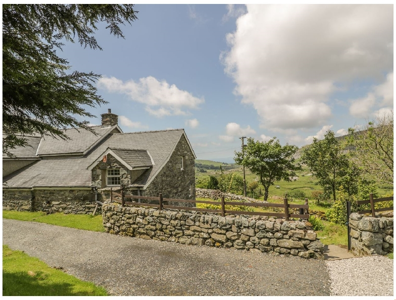 The Stable Cottage a holiday cottage rental for 4 in Llanbedr,