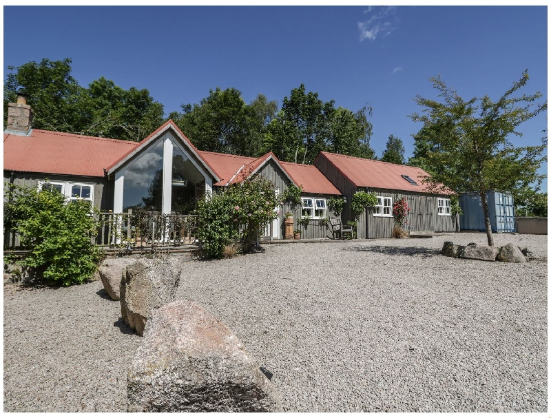 Drumhead Bothy a holiday cottage rental for 4 in Aboyne,