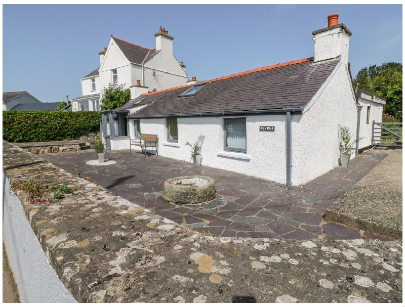 Bryn Rhyd a holiday cottage rental for 6 in Benllech,