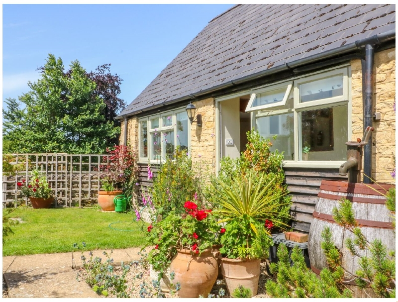 Henmarsh Cottage a holiday cottage rental for 4 in Moreton-In-Marsh,