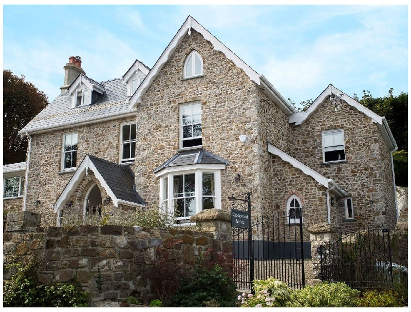 Rhodewood Lodge a holiday cottage rental for 11 in Saundersfoot,