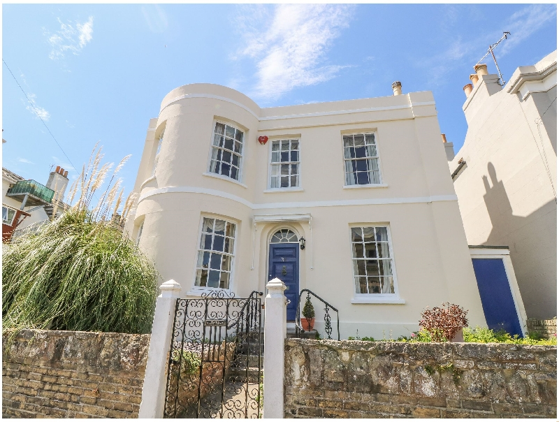 Burford House a holiday cottage rental for 12 in Ryde,