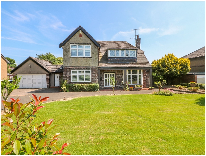 Fairwinds a holiday cottage rental for 6 in Endon,
