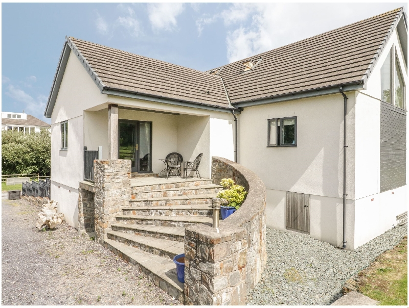 Nant-yr-Rhedyn a holiday cottage rental for 15 in Red Wharf Bay,