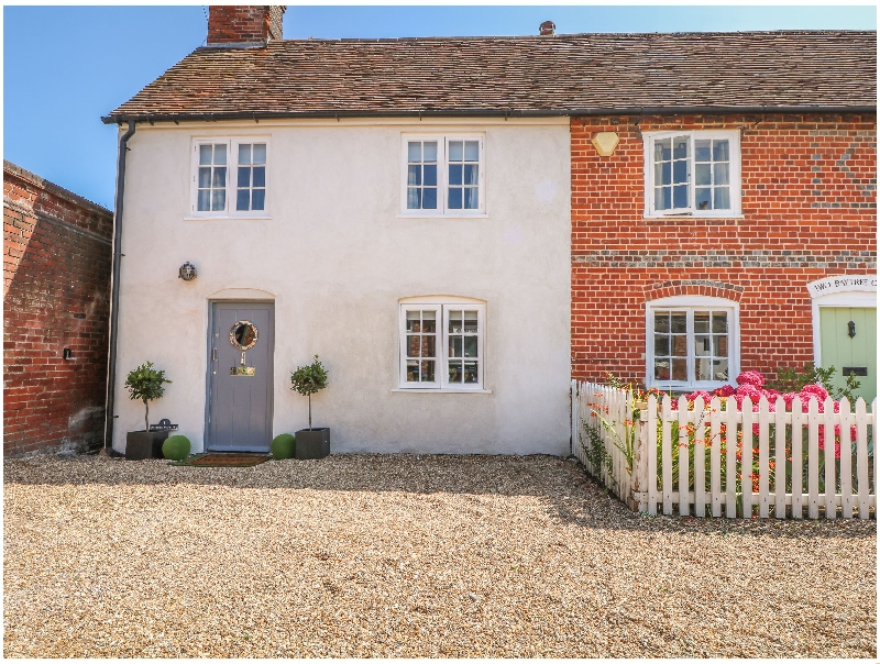 1 Baytree Cottage a holiday cottage rental for 6 in Sarisbury ,