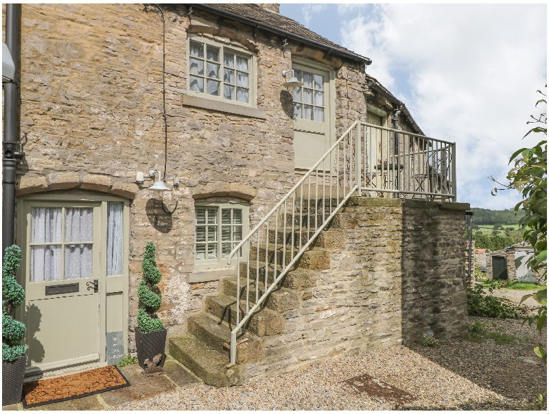 In & Out Cottage a holiday cottage rental for 2 in Middleham,
