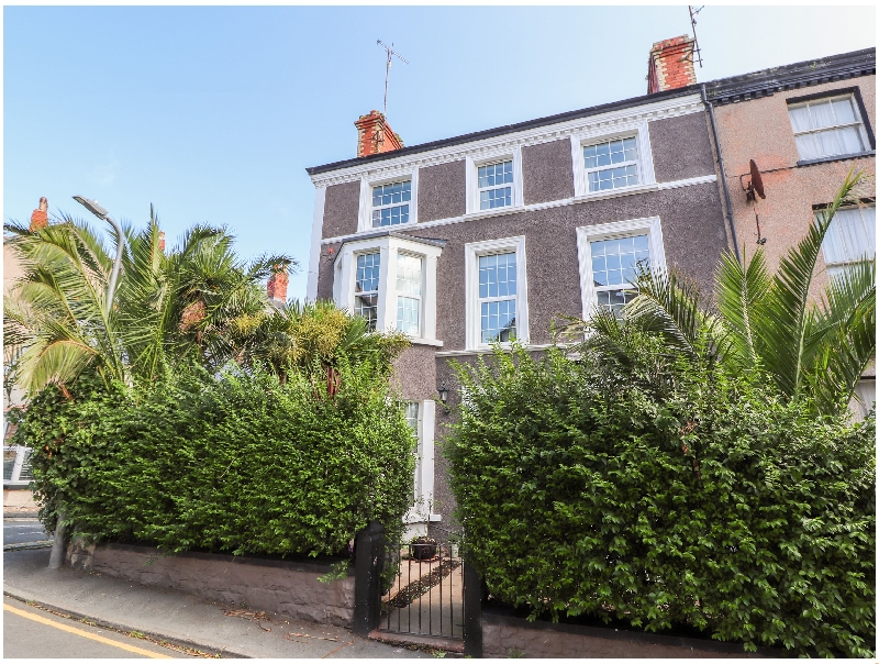 Vale House a holiday cottage rental for 8 in Llandudno,