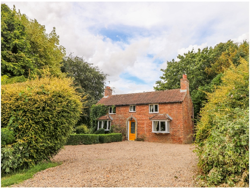 East Bank Cottage a holiday cottage rental for 4 in Market Rasen,