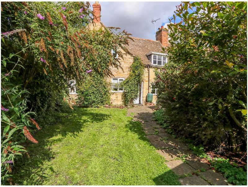 Manor View a holiday cottage rental for 7 in Edith Weston,