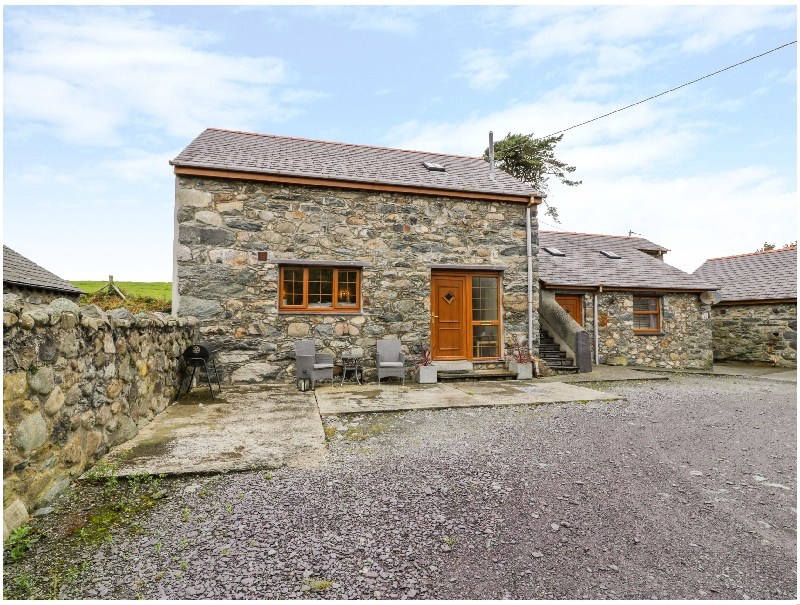 Y Beudy a holiday cottage rental for 2 in Pentir,