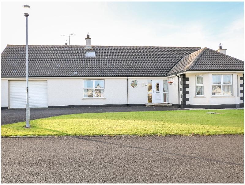 SeaShells a holiday cottage rental for 13 in Castlerock,